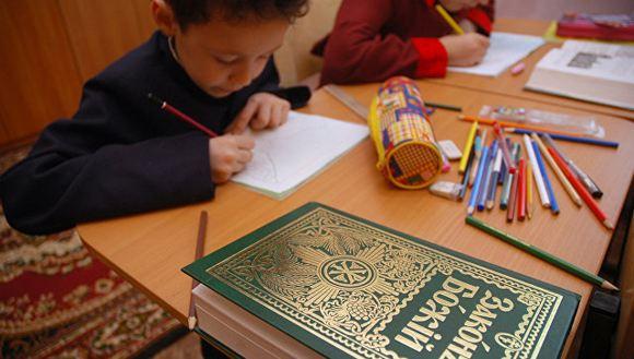 Чиновники собираются ввести в школах курс «Православной культуры»