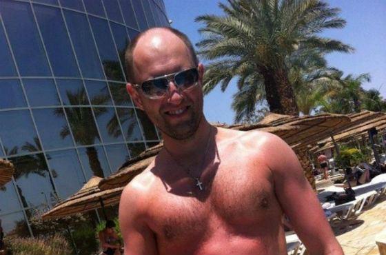 По данным источников, Яценюк купил 24 роскошные виллы в Майами