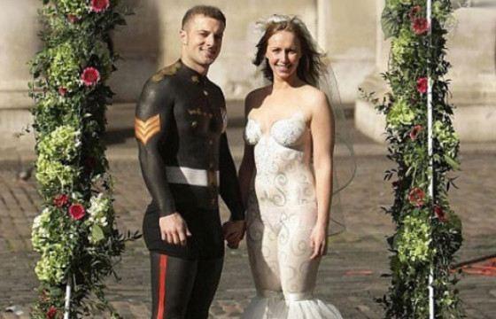 Свадьба в обнаженном виде пришлась многим по душе