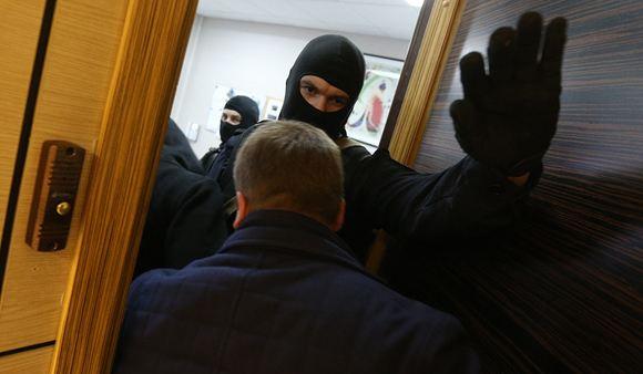 Начальник ГУСБ полиции по СЗФО задержан за 100-миллионную взятку