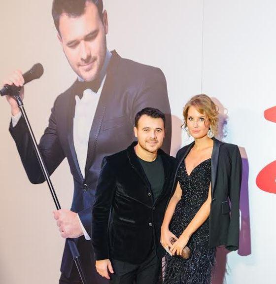 Эмин Агаларов показал свою возлюбленную