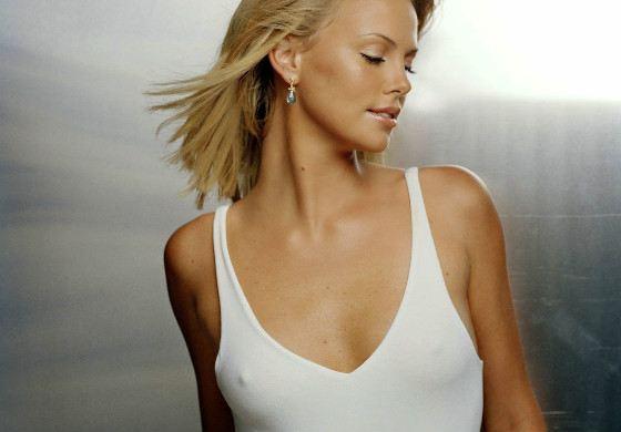 Самые сексуальные женщины с маленькой грудью