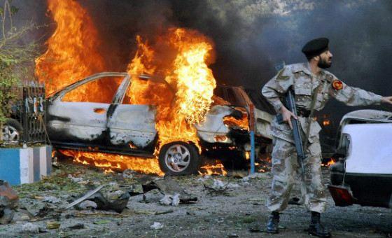Жертвами теракта в  пакистанском городе Лахор стало более 140 человек