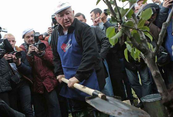 Yury Luzhkov himself celebrated his anniversary on Saturday