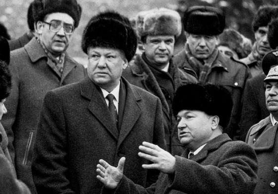 Yury Luzhkov and Boris Yeltsin
