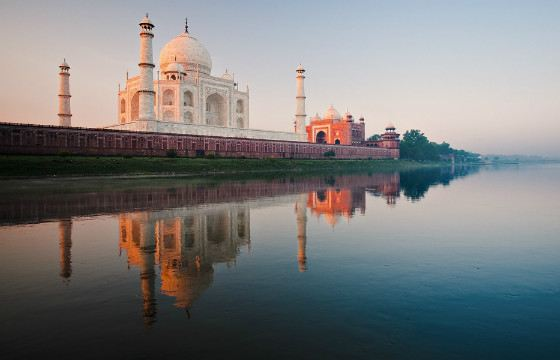In the morning, the walls of the Taj Mahal look pink.