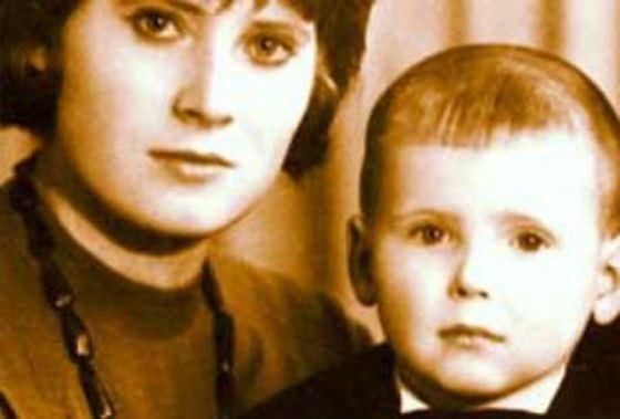 Маленький Никита Джигурда с мамой