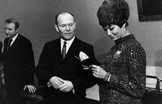 В 1967 году Эдита Станиславовна получила советское гражданство