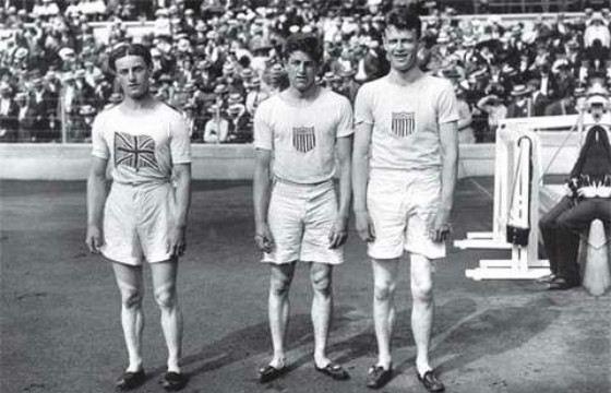 Дональд Липпинкот (в центре). Олимпиада 1912 года