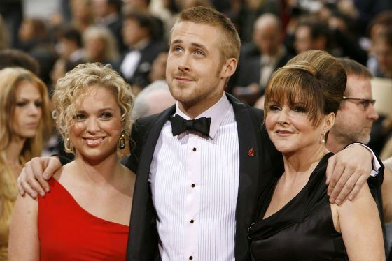 Ryan Gosling with his closest and beloved relatives, a mother and sister