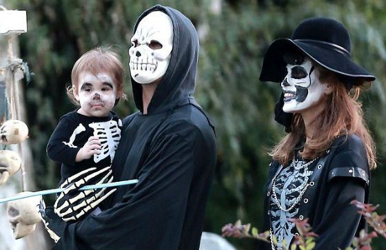Gosling family celebrates Halloween