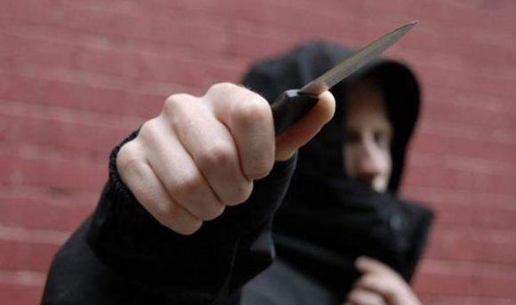 В Уфе студент колледжа напал на работниц магазина с ножом