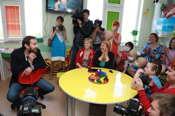 Актер много помогает детям с раковыми заболеваниями