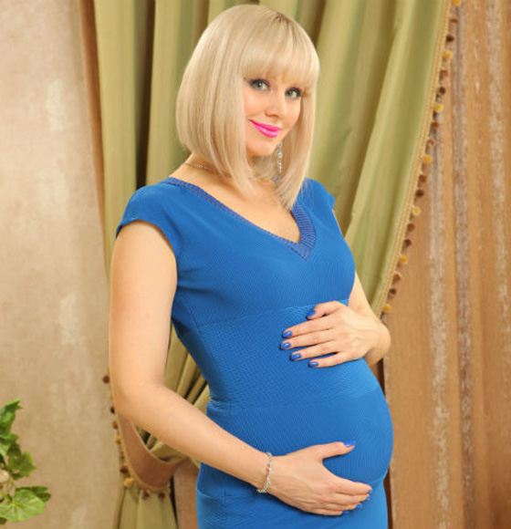 42-летняя эстрадная певица Натали будет мамой в 3-й раз